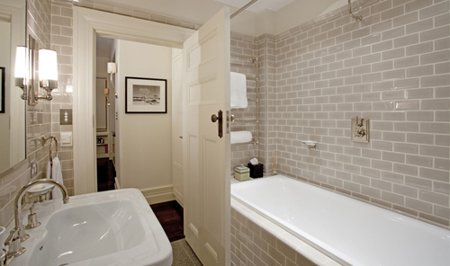 2011 Apartment Bathroom Interior Designs