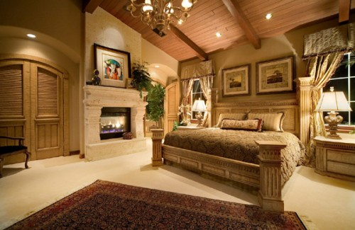 Classic Bedroom Designs with High Class Art