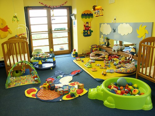 Full Color BAby Decorating Interior Designs 500x375 Amazing Baby Room Decorating Ideas