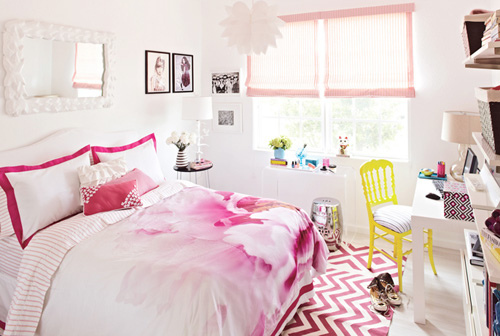 Modern Girls Bedroom Design Art in 2012